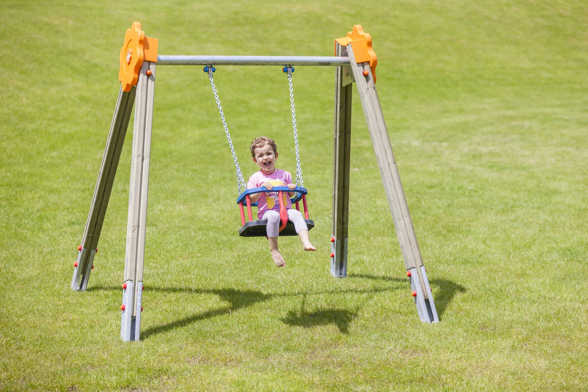 Holzhof SWINGS Sultan swing, one bucket seat - metal beam with polyethylene decoration (flower)