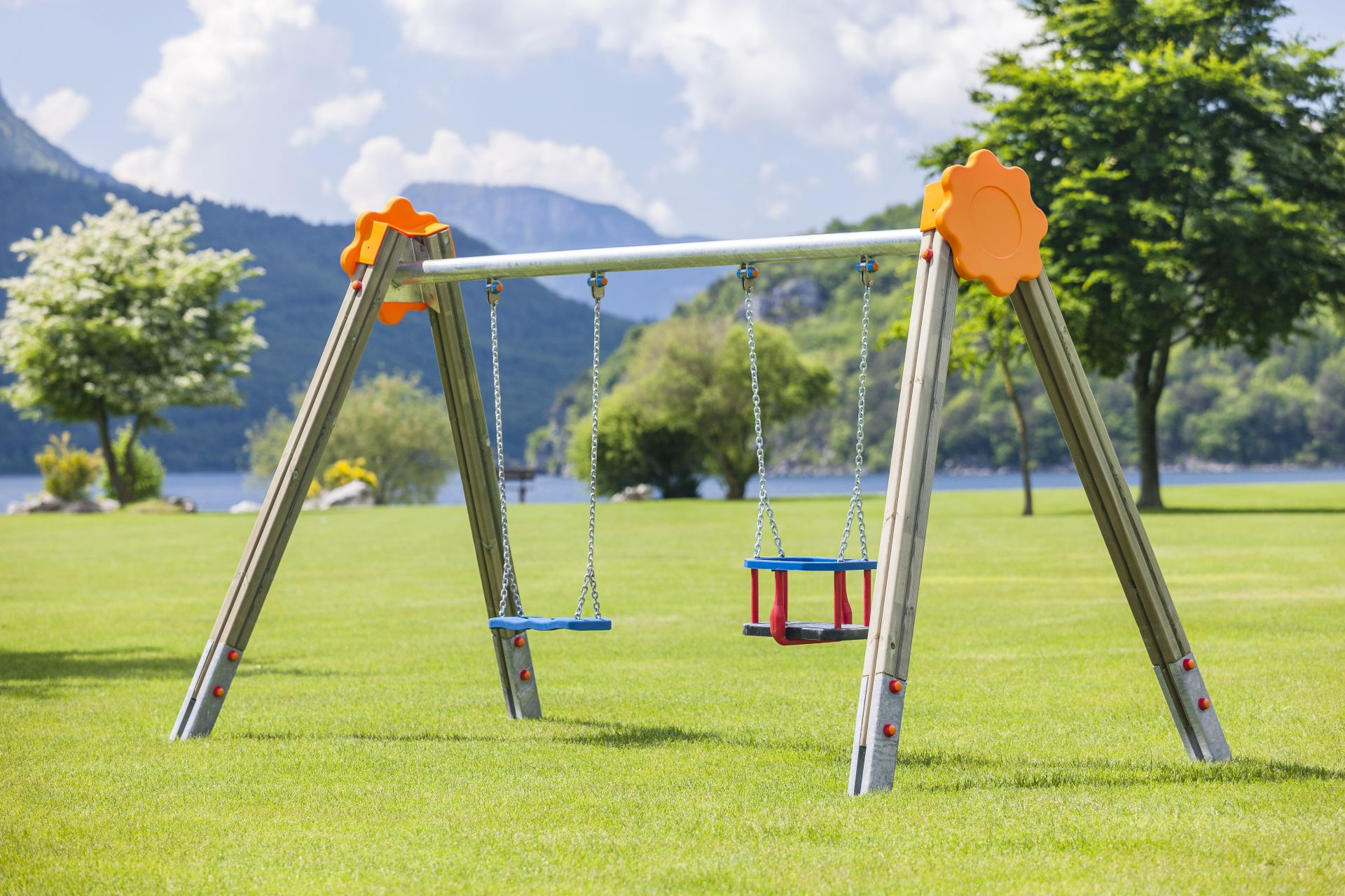 Holzhof SWINGS Sultan swing, two seats with palm shape - metal beam with polyethylene decoration (flower)