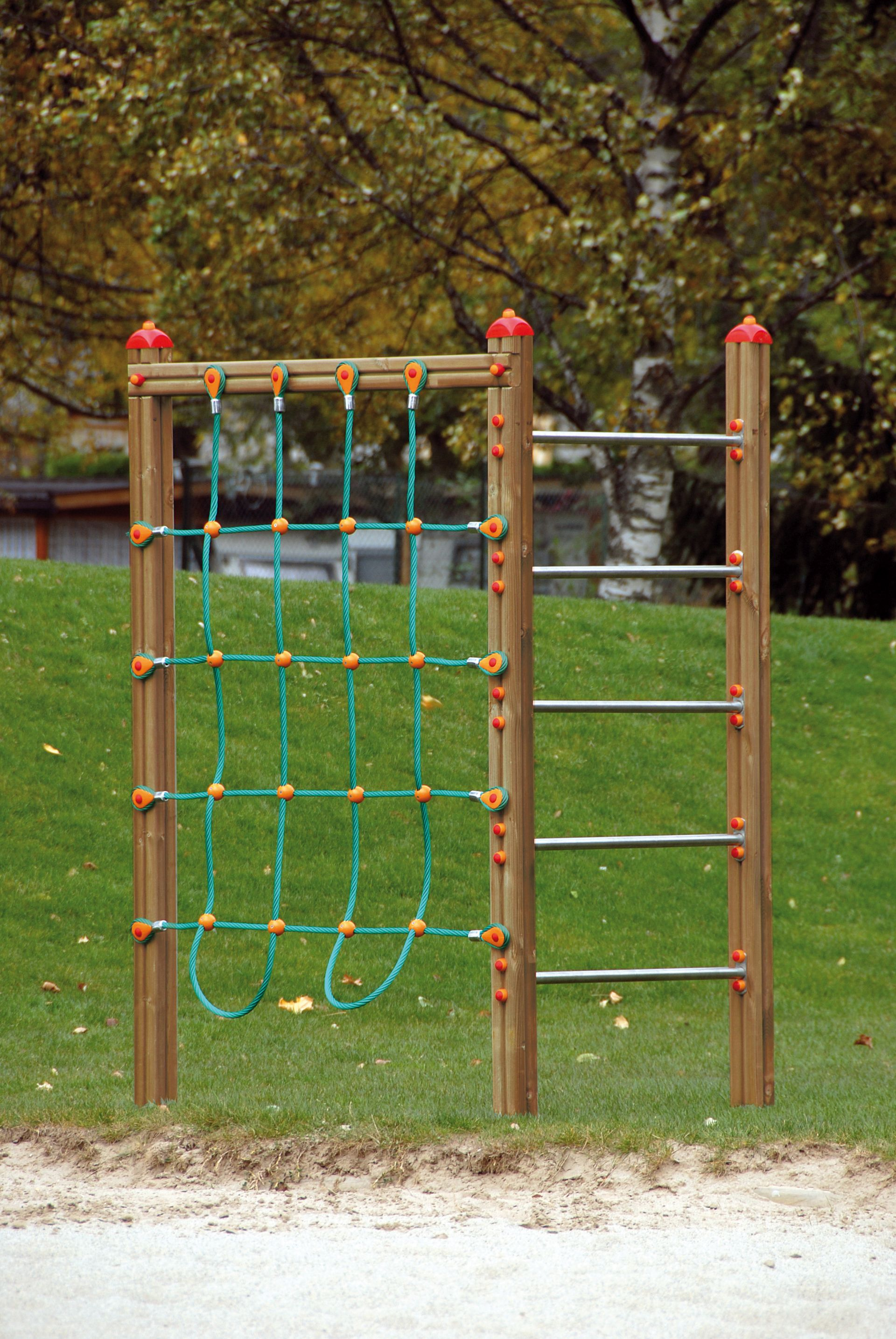 Holzhof CLIMBING STRUCTURES Corner excercise structure with nets + 5 hanging bars